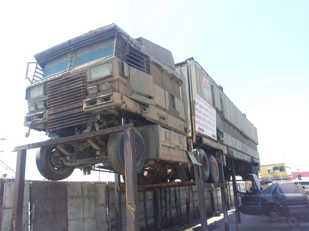 'Junk yard finds'! – Giant Military looking big rig!